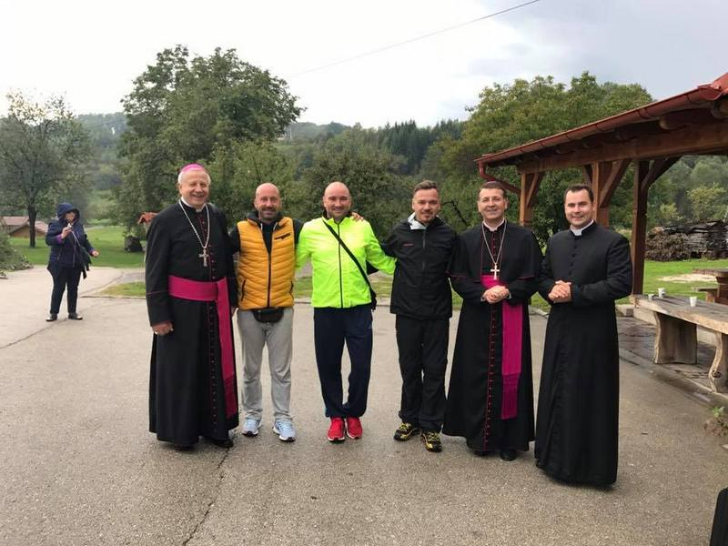 Uz blagoslov pješice na hodočašće do Međugorja