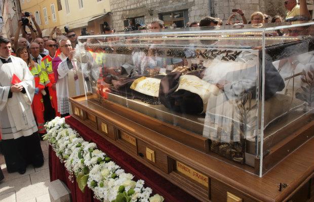 Nakon Zadra, Herceg Novog, Dubrovnika, Splita i Rijeka svečano ispratila relikviju sv.Leopolda