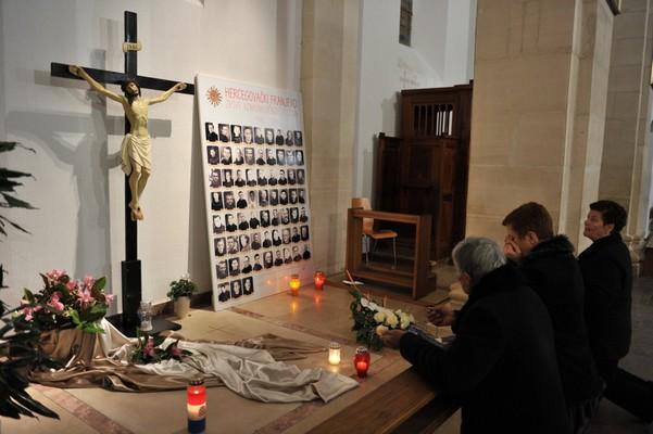 Sjećanja na pobijene franjevce i puk na Širokom Brijegu i na žrtve komunističkog zlosilja ZHŽ-e
