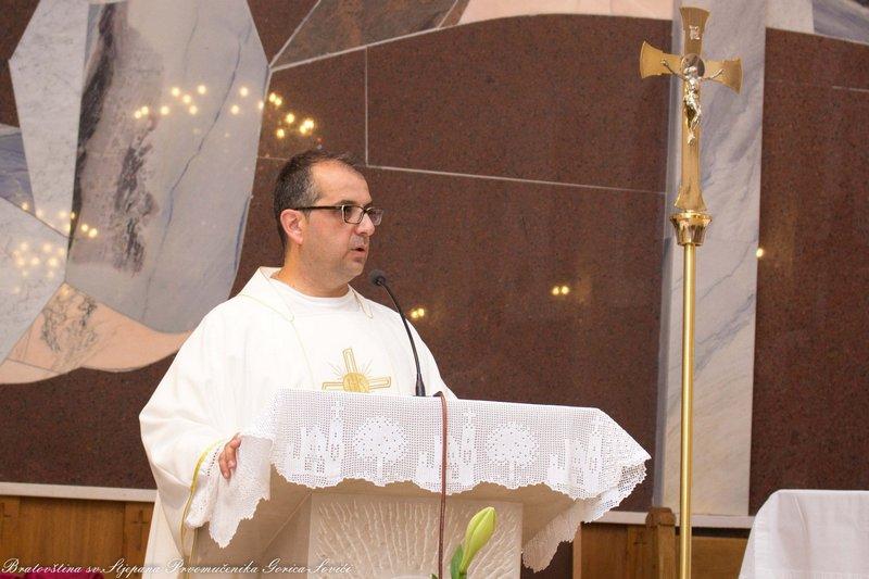 Fra Stipe Marković u propovijedi je govorio o pokori i postu, koji nije potreban Bogu, nego nama