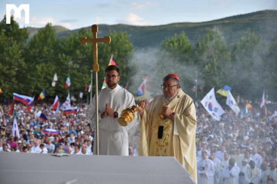 Svećenici u Vrhbosanskoj nadbiskupiji ponovno mogu slaviti mise s narodom