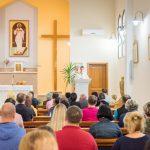 Hodočasnici dolaze u ovu crkvu kako bi pred likom Milosrdnog Isusa molili krunicu u čast Božjeg Milosrđa